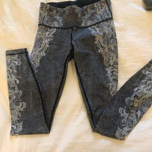 One of a kind lace print leggings